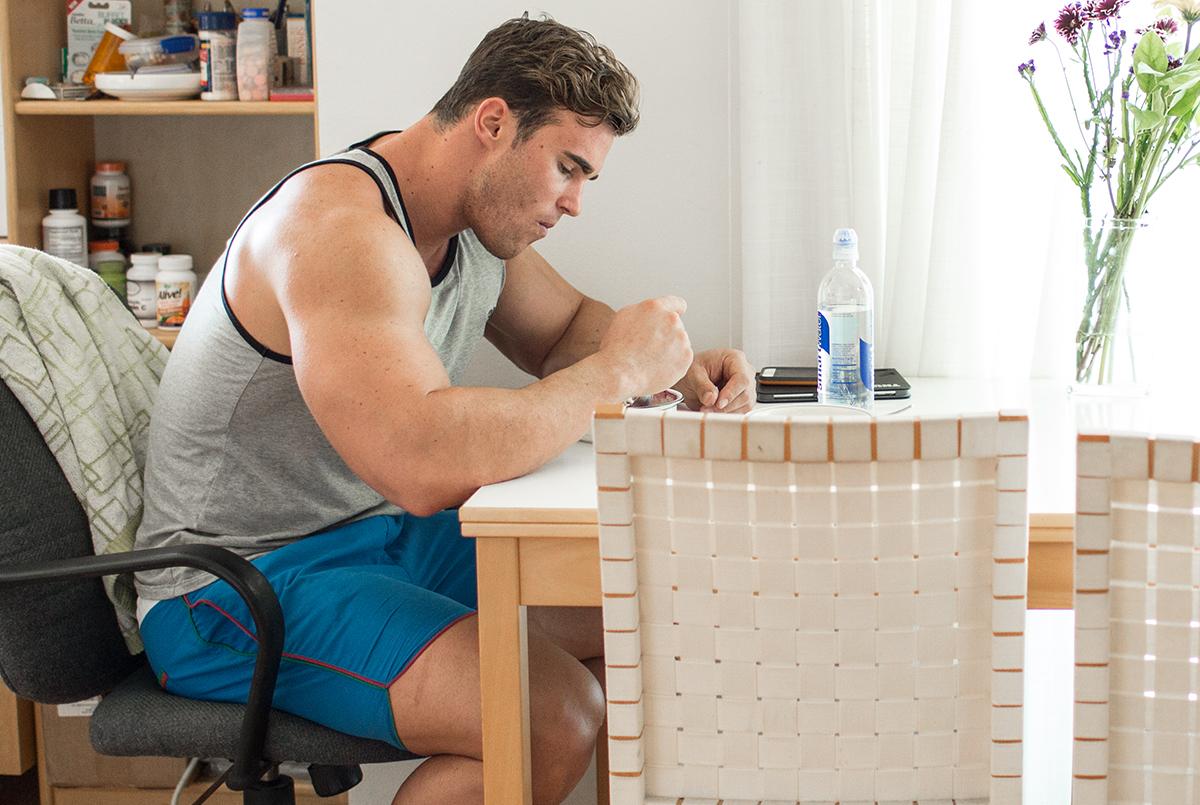 «Употребляйте быстро усваиваемые белки и сложные углеводы сразу после тренировки».