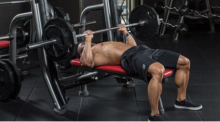 «В дроп-сете, как только вы закончили последнее повторение с весом в 100 кг., следует быстро сбросить 10-15 кг. с каждой стороны грифа и продолжить повторения до следующего мышечного отказа».