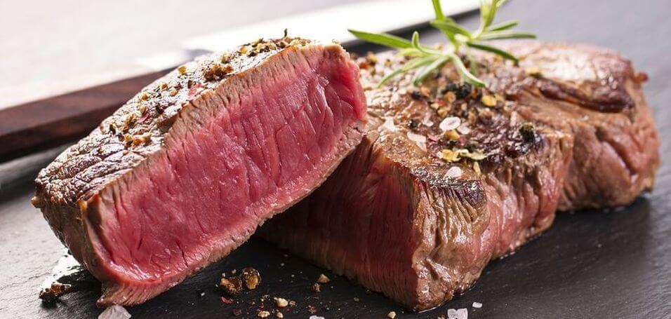 Красное мясо содержит карнитин