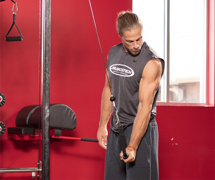 Triceps extension with one hand